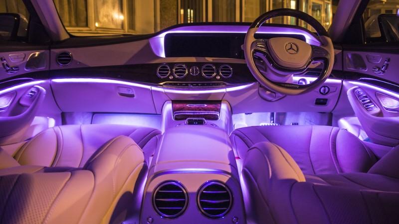 Mẫu nội thất ô tô màu tím xe Mercdes mẫu của Đức