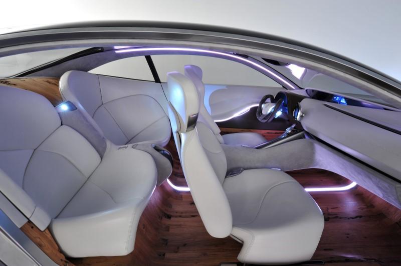 Nội thất sang trọng xe BMW với tông trắng tinh khôi