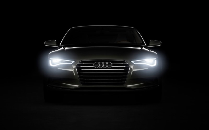 đèn led cho xe ô tô audi sáng trắng viền theo khung đèn xe