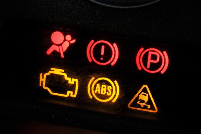 Tìm hiểu ý nghĩa đèn cảnh báo ô tô