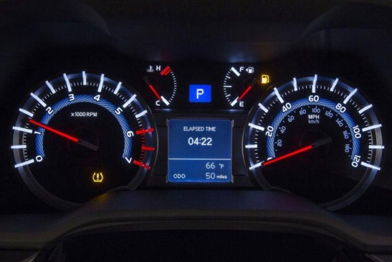 Đồng hồ điện tử xe ô tô