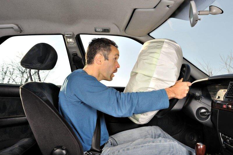Túi khí ô tô là gì ? Tác dụng thế nào