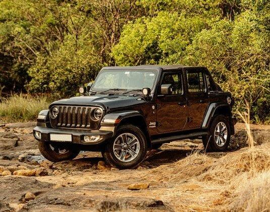 xe Jeep Wrangler dạng SUV